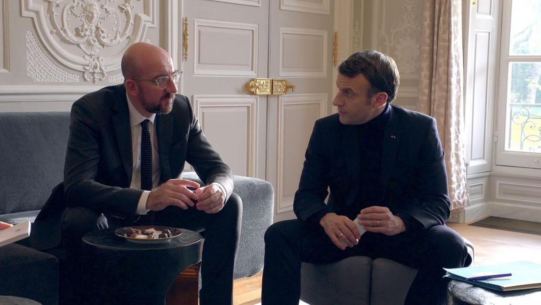 Voorzitter van de Europese raad Charles Michel en Franse president Emmanuel Macron Beeld LCP