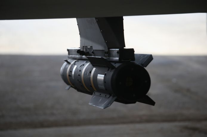 De Hellfire-raket werd in de jaren tachtig ontwikkeld om de duizenden Russische tanks uit te schakelen. Na de aanslagen van 9/11, hadden de VS een raket nodig om onbemande vliegtuigen te bewapenen. Na een geslaagde aanval in Jemen, groeiden de Hellfire en de Predator-drone snel uit tot Amerika's favoriete wapens tegen terreurgroepen.