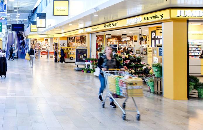 De Jumbo in Sterrenburg blijft voortaan tot 22.00 uur open.