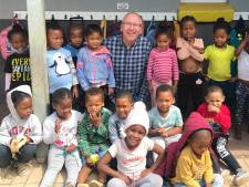 Astrid en Johan stampen scholen en pleeghuizen uit de grond in Zuid-Afrikaanse sloppenwijken