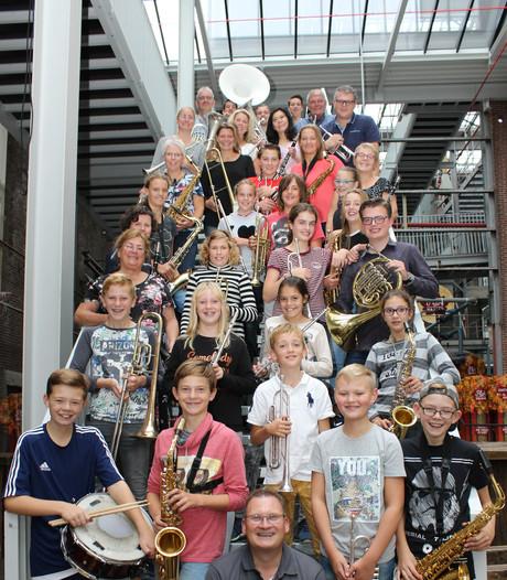 Dirigent onder indruk van Veghels beginnersorkest TOF en neemt cd op