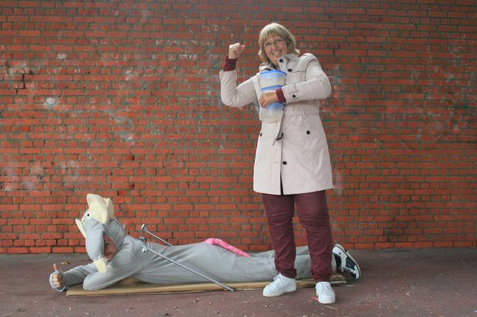 Sonja Welvaert van PVDA bij de reuzenmuis