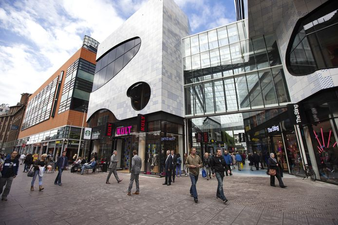 De Nieuwe Haagse Passage - tussen The Sting en Kult - verbindt de Grote Marktstraat met de Spuistraat.