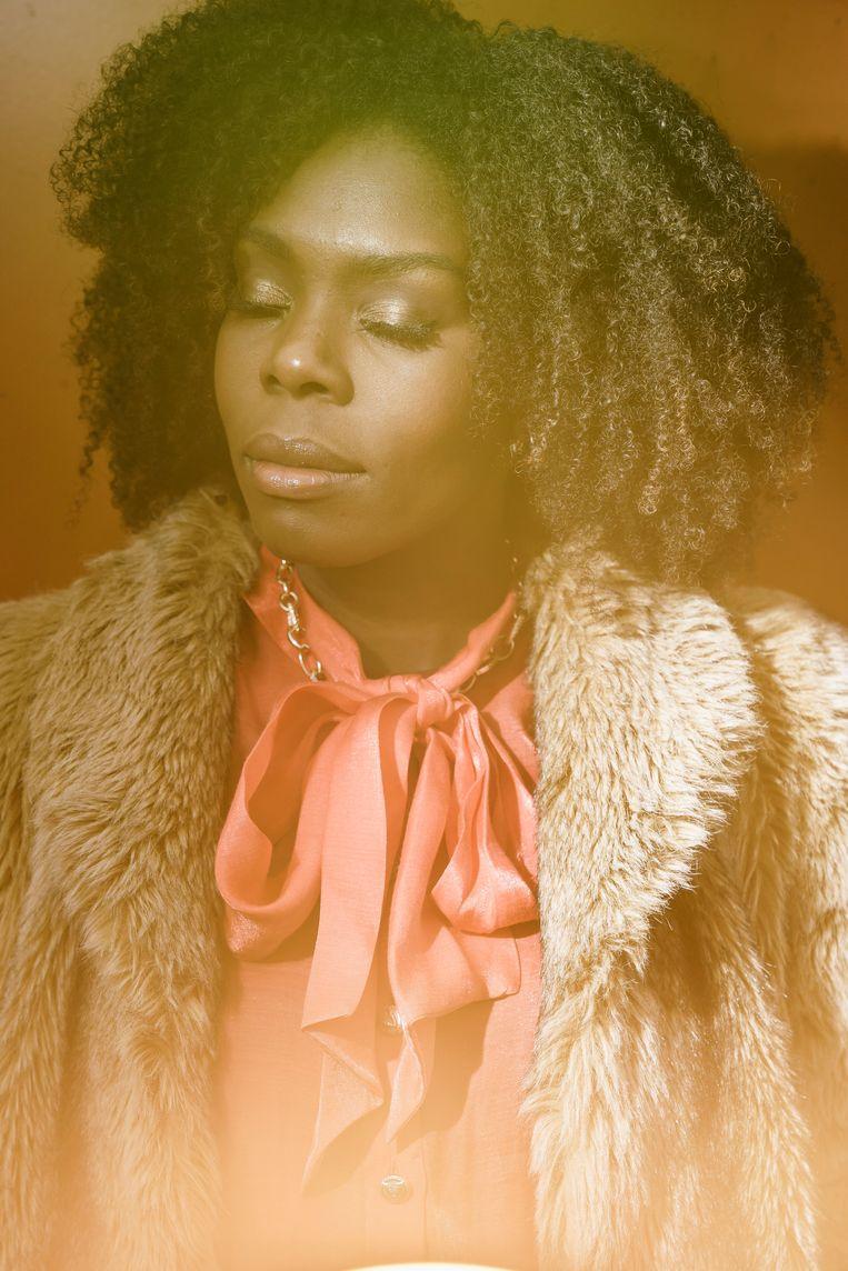 'Ik liep op mijn tenen, wilde de perfecte vrouw zijn, ook als boegbeeld van de zwarte gemeenschap.' Beeld © Stefaan Temmerman