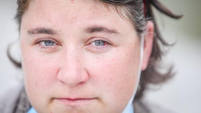 """Ellen (37) krijgt op kermis stukje kogel van schietkraam in oog: """"Of mijn zicht ooit nog goed komt, weet ik niet"""""""