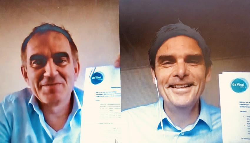 Directeur Albèr van Ekeren van GBS (l) en Marc Meijer, sectordirecteur Techniek & Media bij ROC Da Vinci College ondertekenden de samenwerkingsovereenkomst deze donderdag online via een videobelgesprek.