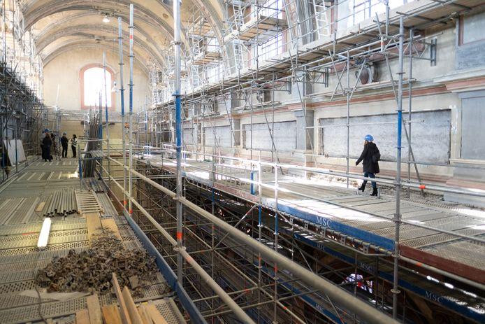 De restauratie van de Begijnhofkerk.