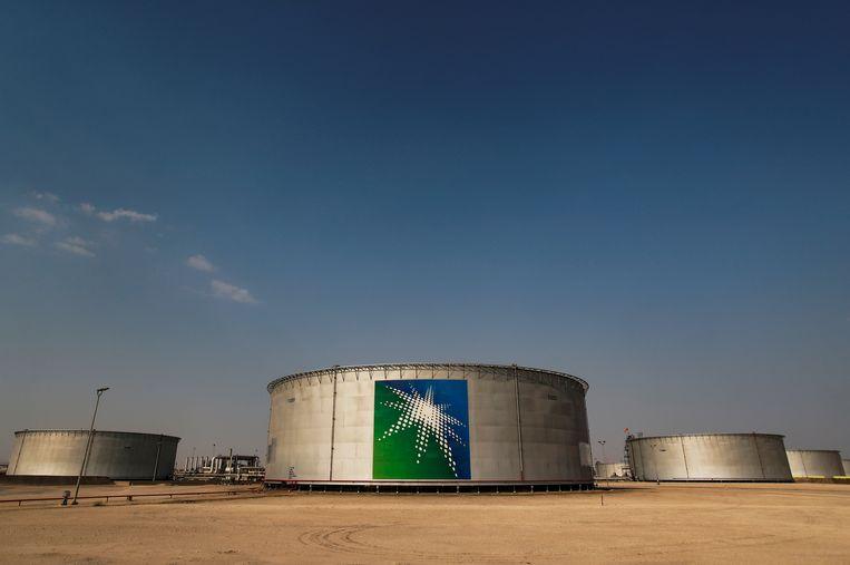 Olietanks van Saudi Aramco, in Abqaiq. Beeld REUTERS