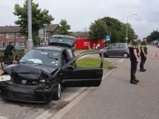 Ongeluk in Quinten Matsyslaan in Eindhoven: schade aan vier auto's
