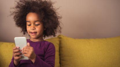 Helft van 7- en 8-jarigen gebruikt smartphone: zo hou je het veilig
