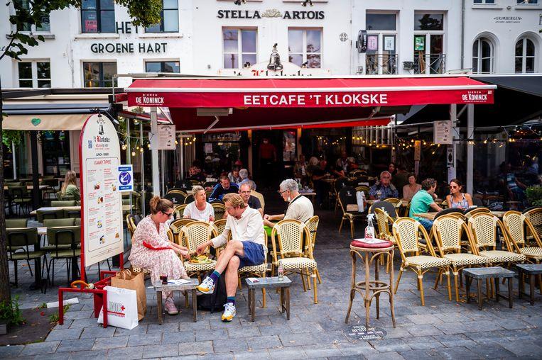 Horeca in Antwerpen.  Beeld Gregory Van Gansen / Photo News