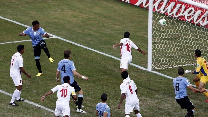 In de wedstrijd tegen Uruguay testte een speler van Tahiti positief