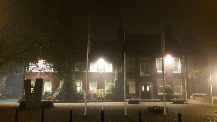 Gemeentehuis Aalburg. Archiefbeeld.