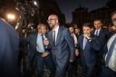 Vaak zullen de bodyguards discreter zijn dan hier in Rome afgelopen maand, maar toch.