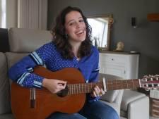 Singer-songwriter Jua:  'Je gaat op reis als je naar mij komt luisteren'