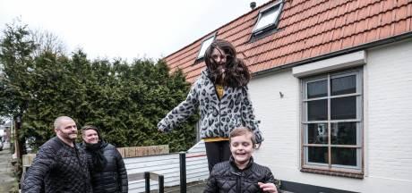 Sloop van het Rode Dorp veroorzaakt tweespalt: 'Schattige buitenkant maar gewoon ongezond huis'