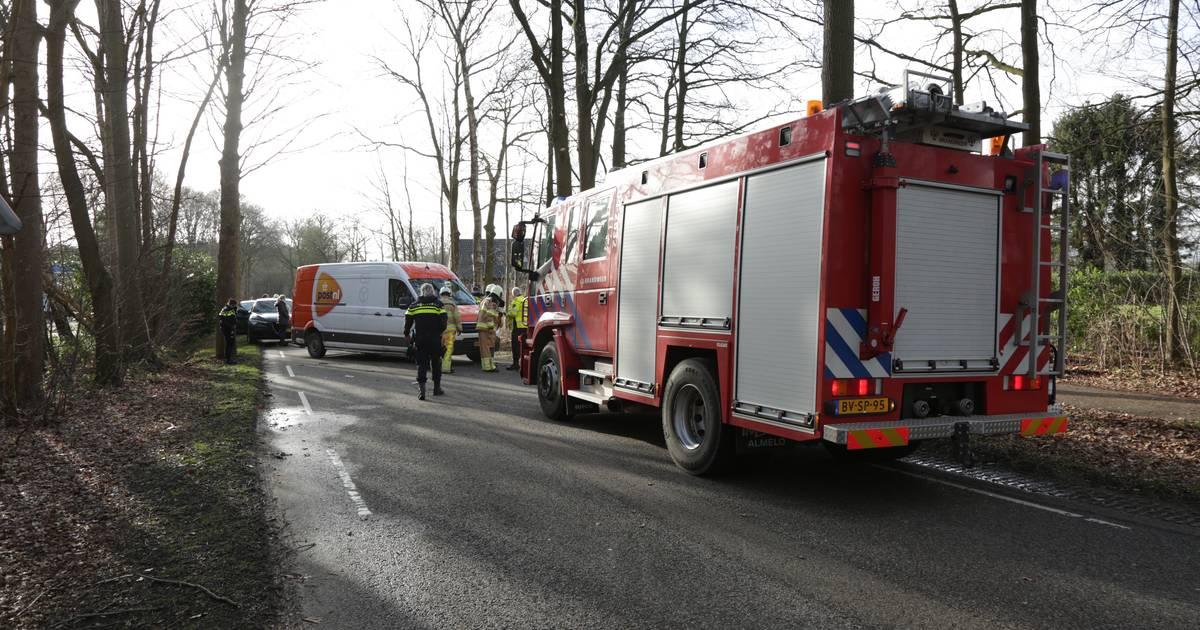 Zwaar ongeluk in Heeten: bestuurder PostNL-busje aangehouden.