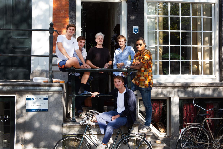 Leden van het dispuut Beets van het Amsterdams Studenten Corps/Amsterdamse Vrouwelijke Studenten Vereniging.  Beeld Anne Reinke