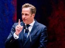Minister De Jonge: 'Bepaalde regels gelden wellicht langer voor mensen zonder vaccinatie'