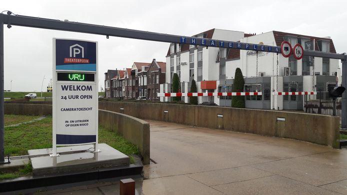 Parkeergarage Theaterplein in Terneuzen, officieel gevestigd aan de Westkolkstraat, 24 uur per dag open én cameratoezicht.