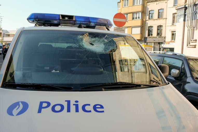Tijdens de rellen in Anderlecht werd heel wat schade aan politievoertuigen toegebracht.