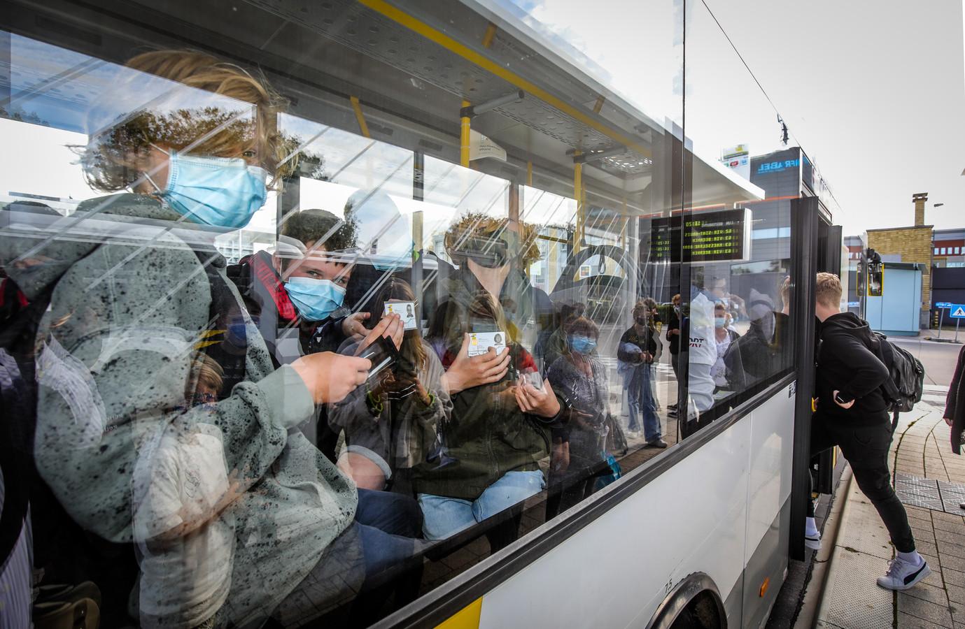 In de Brugse regio verdwijnen een pak bushaltes vanaf 2022.