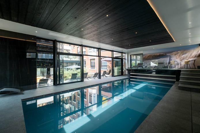 Het zwembad van hotel Elisabeth