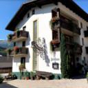 Het pension Jägerhof in Tirol, dat door de familie Bakker uit Nijkerk gedraaid, biedt plaats een dertig gasten.
