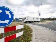 Verkeersinfarct in Holten? Wekenlang sluip door kruip door voor auto's in dorp