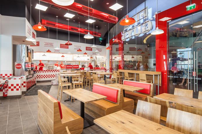 De hamburgerzaken van de Five Guys zijn straks te vinden aan de Coolsingel en in winkelcentrum Alexandrium.
