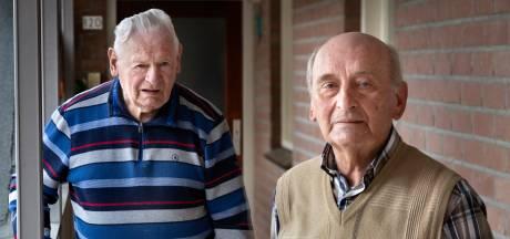 """Piet en Lambert over een leven lang bij voetbalclub NWC uit Asten: ,,Ik sprong ooit hoger dan international Jan Klaassen"""""""