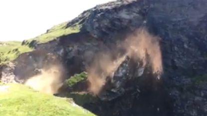 Wandelaars ontsnappen net aan afbrokkelende klif