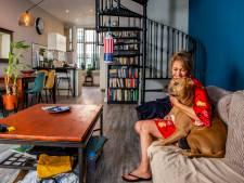 Hoe Tina zich helemaal op haar plek voelt in haar 'familiehuis', ondanks de verkeerde draaitrap