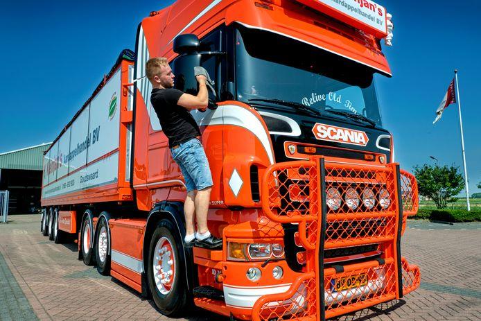 Joost Kleinjan ziet zijn truck graag blinkend.