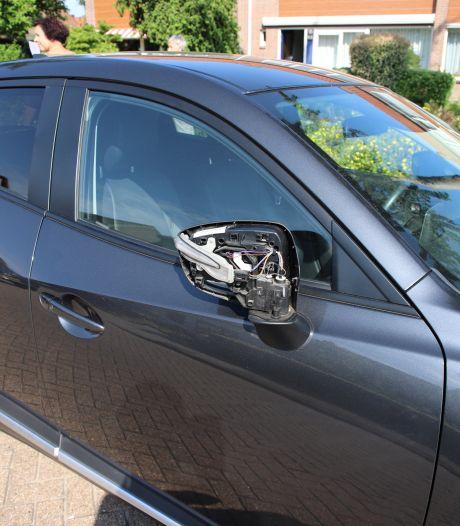 Zeker 60 auto's vernield in Tiel, verdachte opgepakt