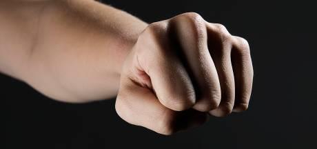 Man (50) raakt gewond door mishandeling op klaarlichte dag in Groesbeek
