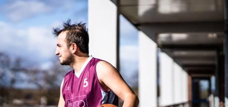 Ook 'beste basketballer van Syrië' moest vluchten: 'Niet echt de sportcarrière die ik had gedroomd'
