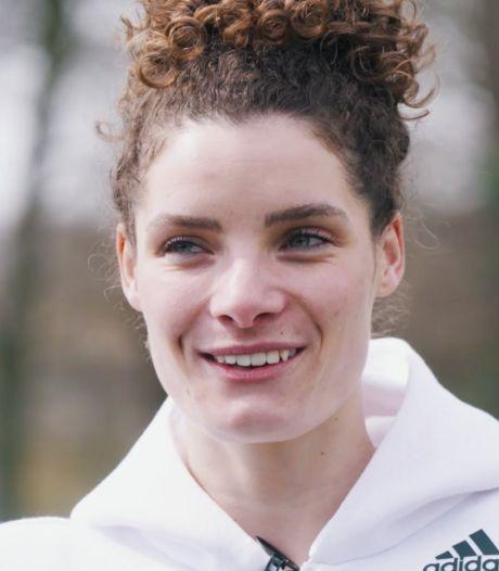 Voetbalster Dominique Janssen: 'Topsport is niet gezond'