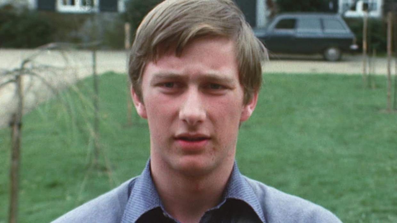 Koning Filip bij zijn 18de verjaardag. 'Het is ongelofelijk hoe Filip van een absolute sukkel uitgegroeid is tot een acceptabele vorst.' Beeld VRT