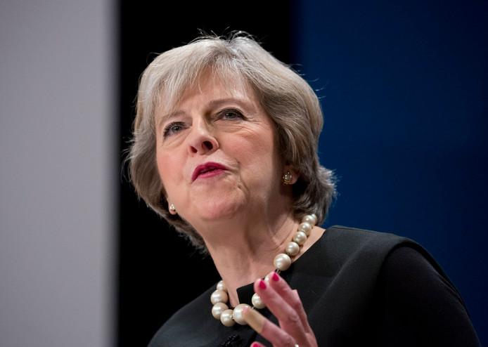 De Britse premier Theresa May wil de loonkloof tussen man en vrouw in haar land binnen een generatie dichten.