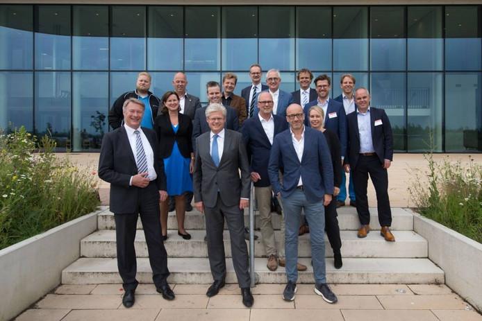 De samenwerking tussen bedrijven en onderwijsinstelling werd bekrachtigd bij het grootste e-commercebedrijf van de regio Zwolle, Wehkamp