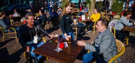 Zo reageert Nederland op einde avondklok en comeback horeca: 'Dit komt heel onverantwoord over'