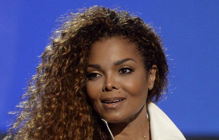 Janet Jackson in 2015, met een nog gezond uitziende neus.