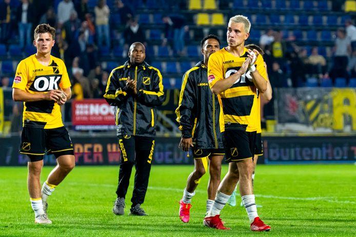 Thom Haye (rechts) bedankt het Bredase publiek.