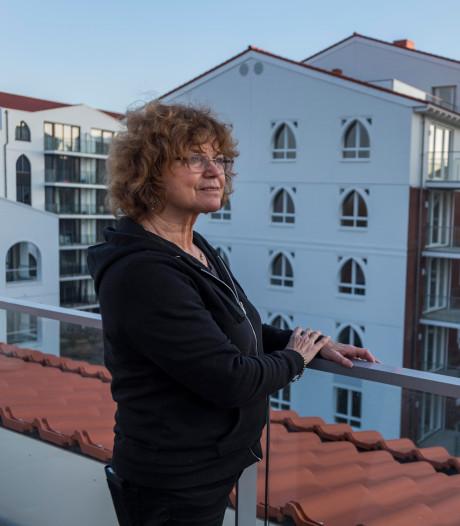 Hetty (70) woont in een portiek met alleen maar vrouwen in het nieuwe Clarissenhof