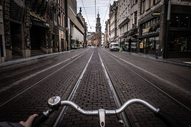 De Reguliersbreestraat in Amsterdam ligt er verlaten bij. Beeld Joris Van Gennip