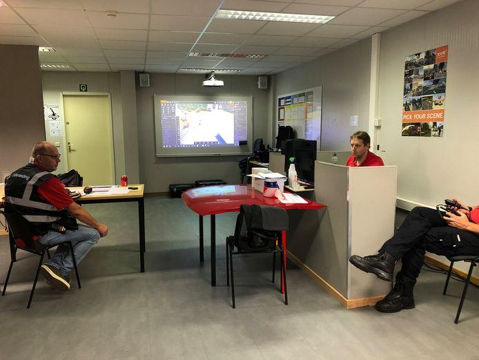 In het controlecentrum werd de simulatie op de voet opgevolgd en aangepast indien nodig.