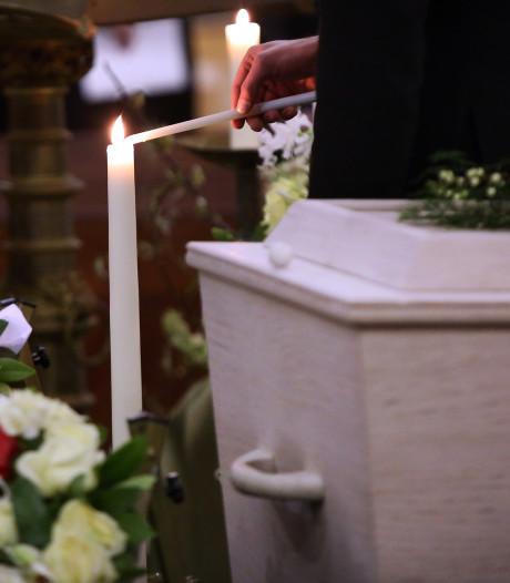 Begrafenisvereniging Gramsbergen verkoopt mortuarium en stopt