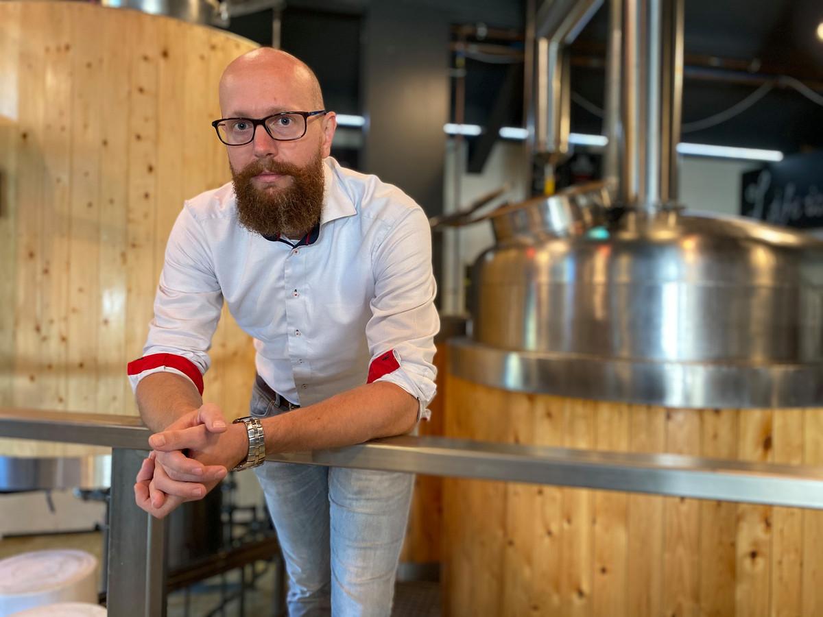 Menno de Braak uit Almelo, 'pastoor' van zijn Zwarte Parochie bierbrouwerij.