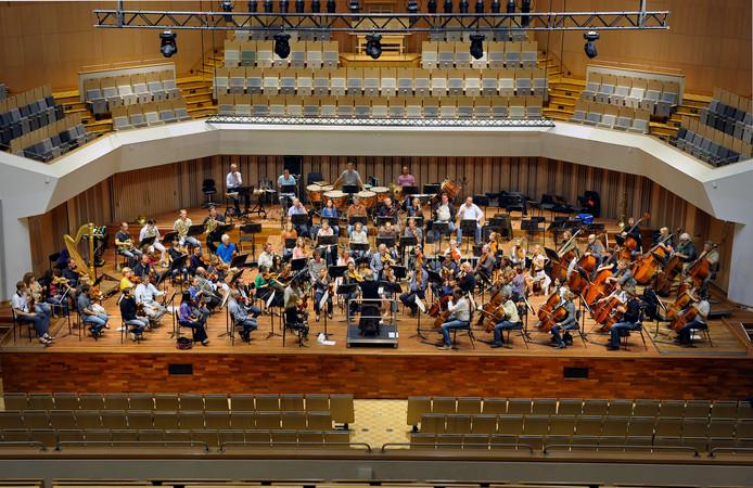 De grote zaal van het Muziekgebouw.